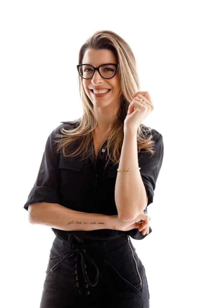 Lara Brenner: biografia e criação do Expressando Direito